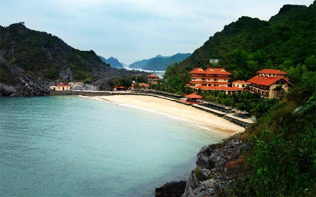Cat Ba island Halong bay